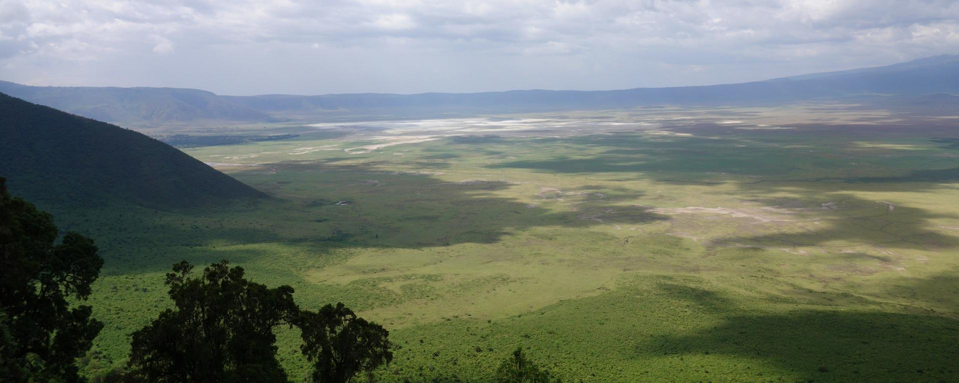 Ngorongoro_Crater_Go2Africa_banner2